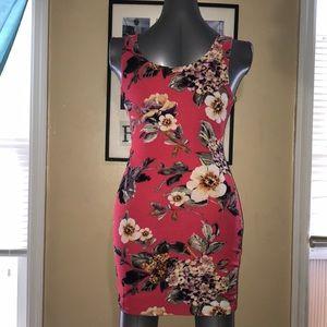Dresses & Skirts - 🆕 Red Floral Sleeveless Short Dress Sz L
